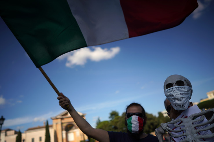 Italija Rim protest antivakcinaši i neofašisti