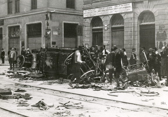 Kola u kojima je bio Ferdinand, posle atentata