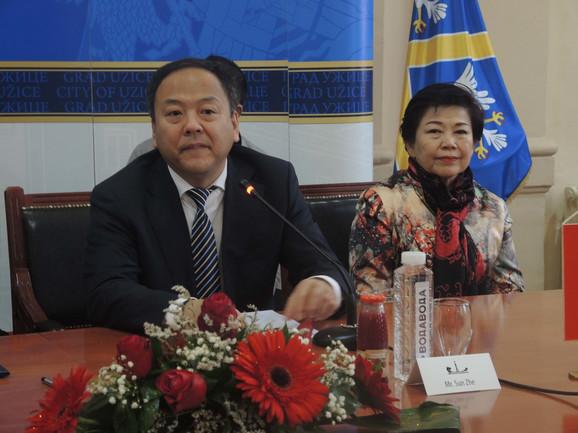 Sun Dž i Linda Vong danas  na svečanosti u Užicu