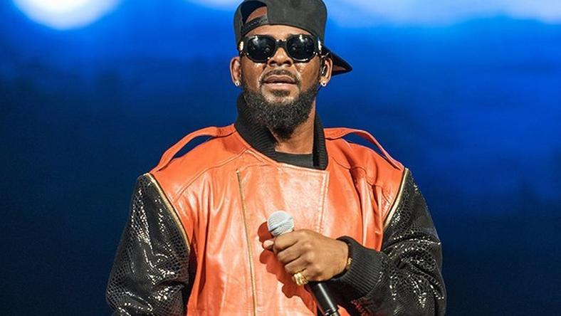 R.Kelly makes the news for the wrong reason once again