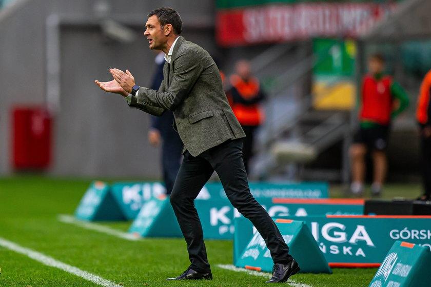 – Nie ma żadnego trenera, na którym bym się wzorował. Gdybym tak robił, czułbym się jak kibic. Przyznaję jednak, że patrzę na futbol podobnie do Pepa Guardioli – mówi Faktowi serbski trener.