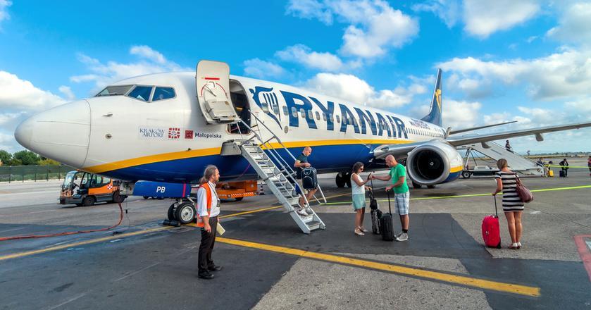 Jedna sztuka bagażu bezpłatnie na pokładzie, cięższy i tańszy bagaż rejestrowany - to najważniejsze zmiany w polityce bagażowej Ryanair od 1 listopada