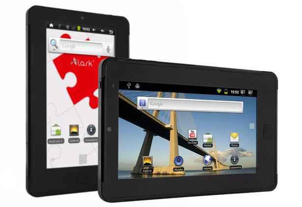Lark FreeMe 70.0 (170 zł) Tablet z systemem operacyjnym Android 2.2 oraz wyświetlaczem o przekątnej 7 cali i rozdzielczości 800 x 480 pikseli. Wyposażony w procesor Telechips TCC8902 800MHz.