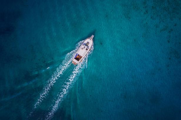 Jacht, łódź, milionerzy, bogactwo. wakacje