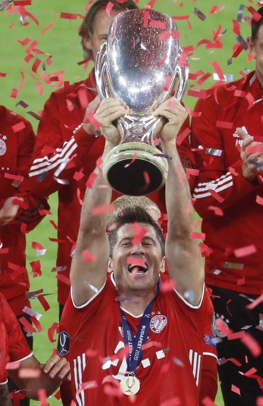 Robert Lewandowski (32 l.) zdobył czwarte trofeum w tym roku!