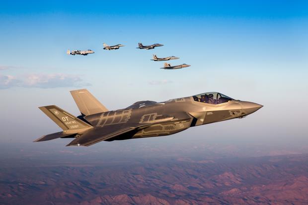 Myśliwiec F-35 – jeden z samolotów piątej generacji