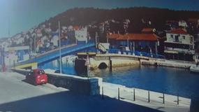 """Chorwacja: kobieta """"przeskoczyła"""" samochodem most zwodzony na wyspę Murter"""