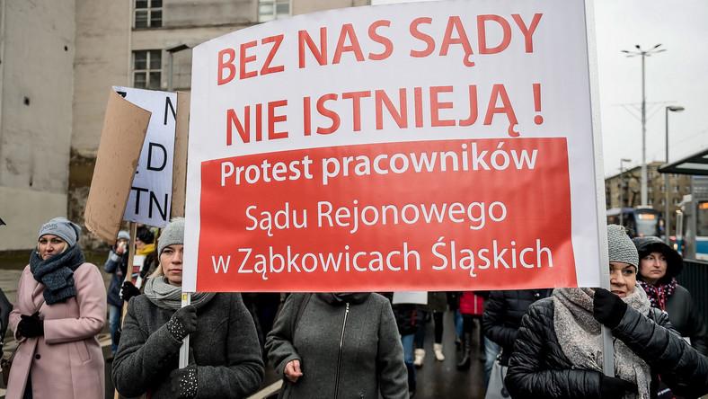 Protest pracowników sądów