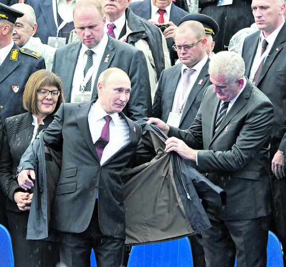 Prijatelji: Vladimir Putin i Tomislav Nikolić