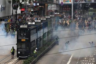 W Hongkongu policja rozgania antyrządowe demonstracje