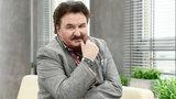 """Krzysztof Krawczyk zakażony koronawirusem. """"Jestem w szpitalu. Muszę podjąć walkę"""""""