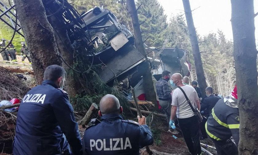 Tragiczny bilans wypadku kolejki górskiej Piemoncie wynosił w niedzielę wieczór 14 osób.