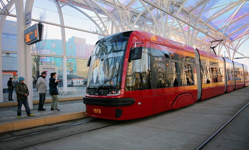MPK Łódź kupi tramwaje dla linii z Dąbrowy na Teofilów. Tory tramwajowe na Włókniarzy i Aleksandrowskiej do remontu