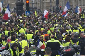 Zbog straha od protesta, u ovoj zemlji je ograničena prodaja ŽUTIH PRSLUKA