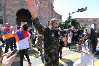 Lider armeńskiej opozycji ostrzega, że blokada Erywania będzie kontynuowana