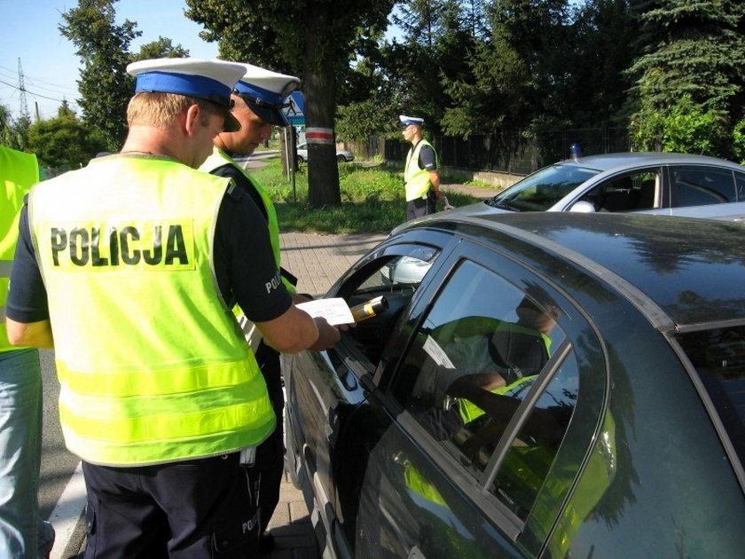 Policjanci rozdawali darmowe alkotesty