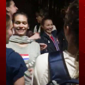 LEKCIJA USIJANIM GLAVAMA Hrvatske košarkašice napravile DOČEK Srpkinjama posle finala prvenstva Evrope! /VIDEO/