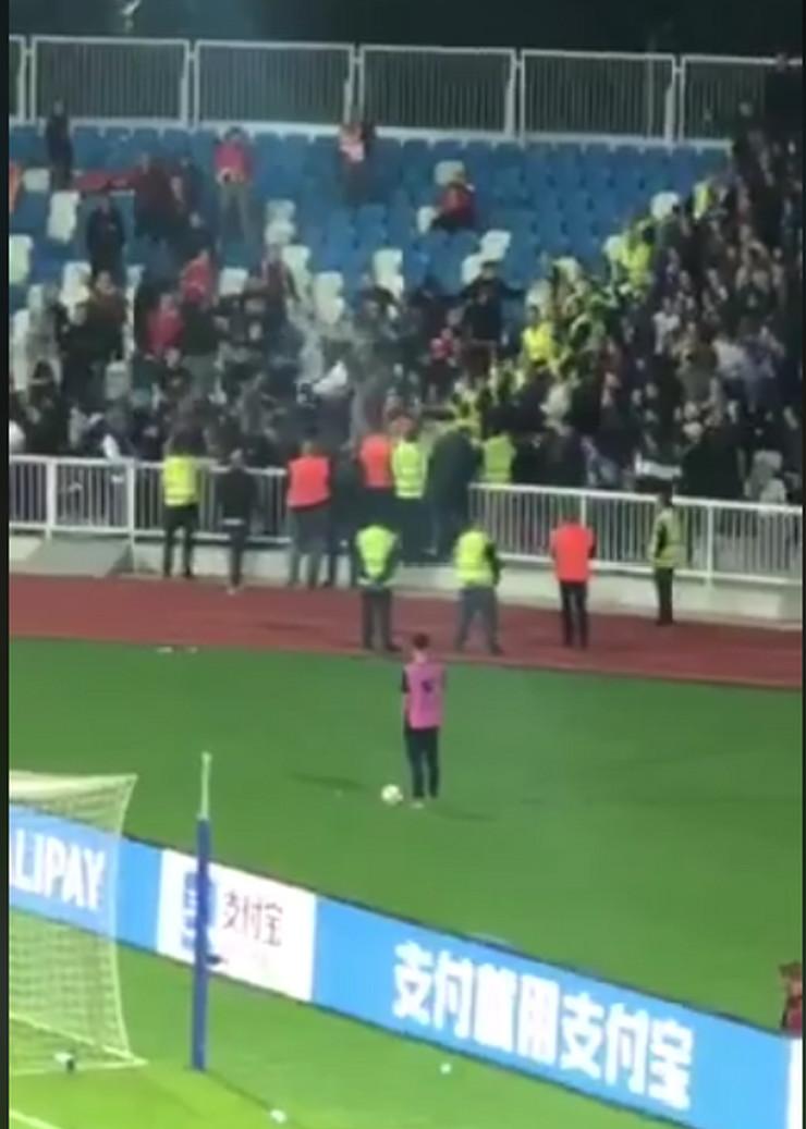 Tuča navijača u Prištini