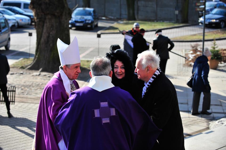 Uroczystości pogrzebowe reżysera Antoniego Krauzego