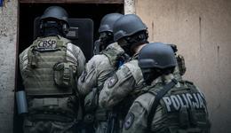 26 osób oskarżonych ws. 400 kg narkotyków