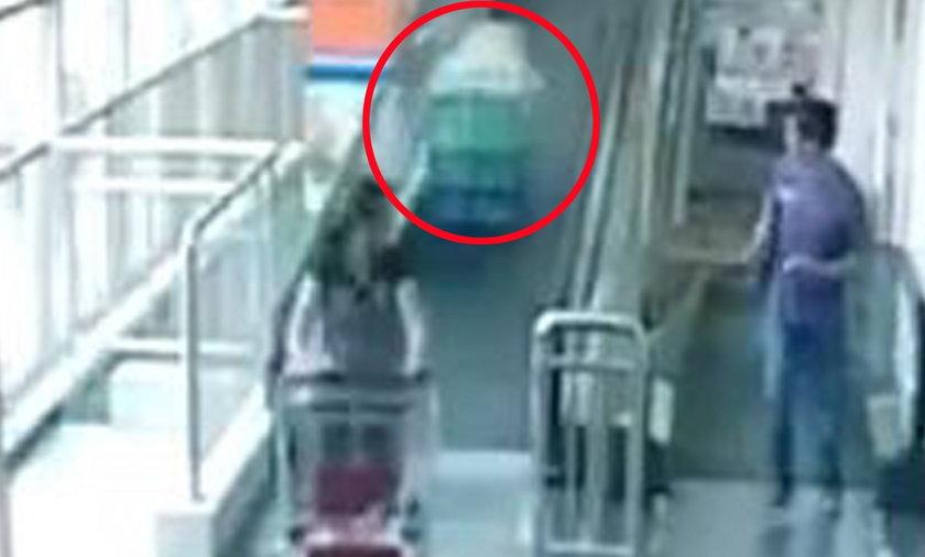 Kobietę zabił wózek w supermarkecie