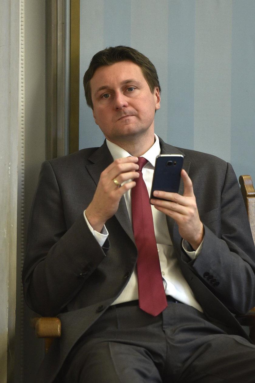 Łukasz Zbonikowski stracił poparcie własnej partii?
