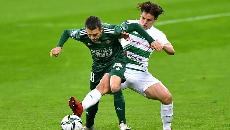 Piłkarz Śląska Wrocław Waldemar Sobota (L) i Conrado (P) z Lechii Gdańsk podczas meczu Ekstraklasy