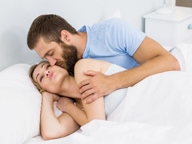 Muškarcima je ovo omiljeni stil u seksu: A evo šta im se sve MOTA PO GLAVI dok akcija traje