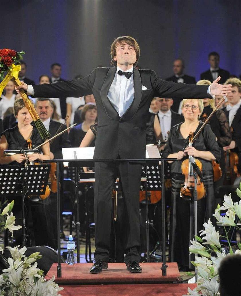 Piotr Rubik we wrześniu jedzie w trasę koncertową za ocean. Piotr Rubik zagra 22 koncerty i zarobi krocie
