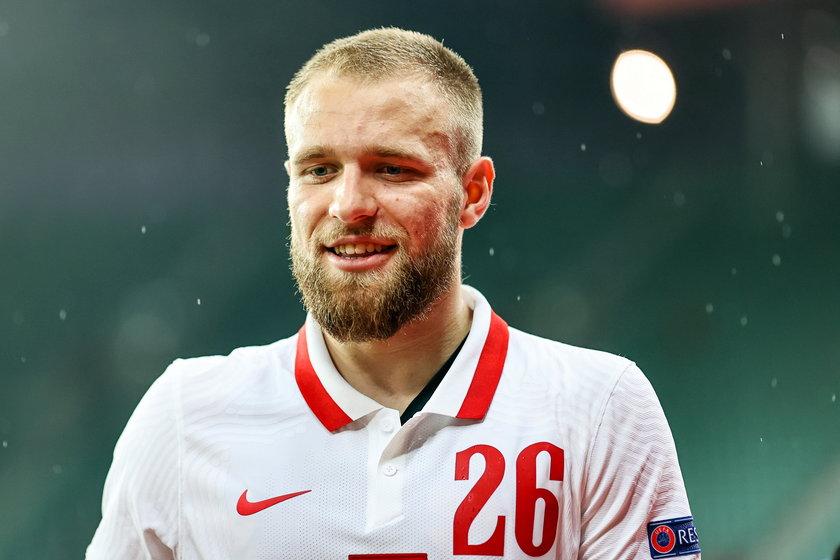 Bardzo długo większość groźnych sytuacji wynikała po jego akcjach, zresztą to po jego szarży bramkę wyrównującą zdobył Piotr Zieliński (27 l.).