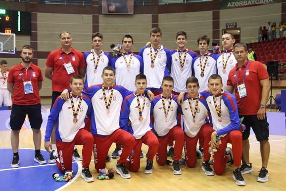 Naši mladi košarkaši sa bronzom osvojenom na 15. Letnjem EJOF-u u Azerbejdžanu