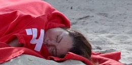 Kasia Niezgoda ucięła sobie drzemkę na plaży. FOTY