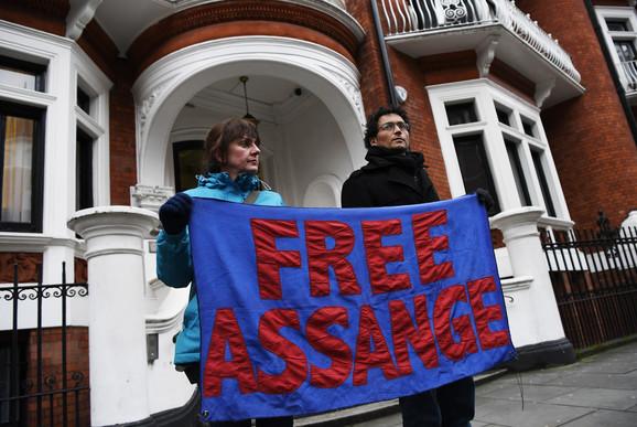 Zahtevi za oslobođenjem Asanža ne jenjavaju