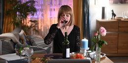 """""""Na Wspólnej"""" - odcinek 3313. Basia  dowiaduje się o wyprawie Smolnego i Lary do Żabińca. Kobieta nie kryje swojej złości!"""