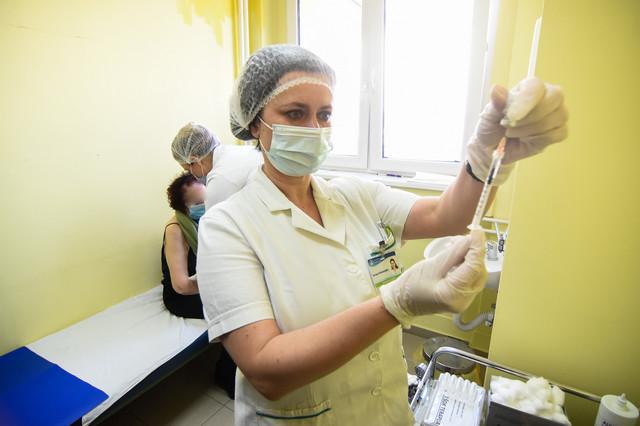 U Srbiji je juče počela masovna vakcinacija