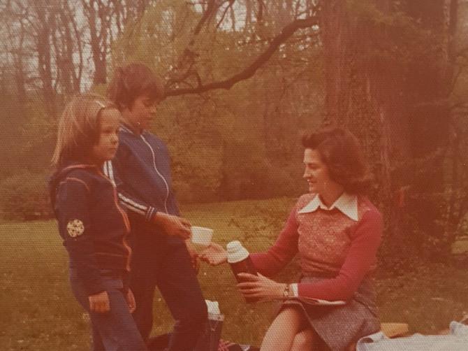 Odrastala sam 80-ih i tad se ZNAO RED: Danas vaspitavamo EGOMANIJAKE, nikad zadovoljne i stalno gladne pažnje