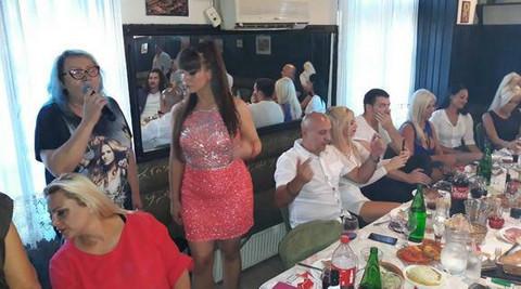 Zavirite iza zatvorenih vrata SLAVLJA povodom KRŠTENJA sina Miljane Kulić! Video
