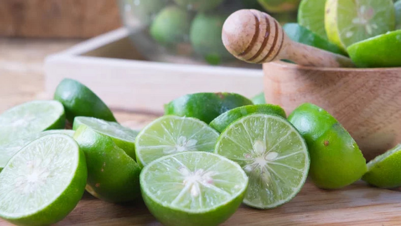 Lime: The health benefits of this fruit are incredible [draxe]