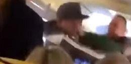 Burda na pokładzie Ryanaira. Broczył krwią, poszło o kobietę