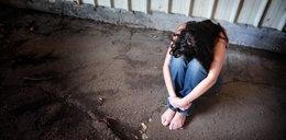 """15-latka zgwałcona grupowo na własnych urodzinach. """"Konała w moich ramionach"""""""