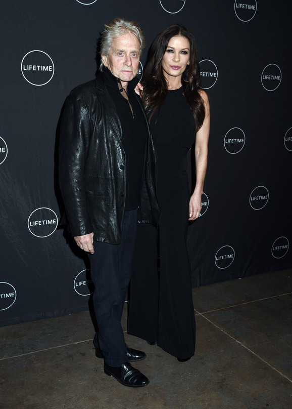 Majkl Daglas sa suprugom Ketrin Zitom Džons
