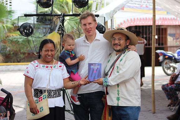 Seke sa pripadnicima zajednice Šošokotla
