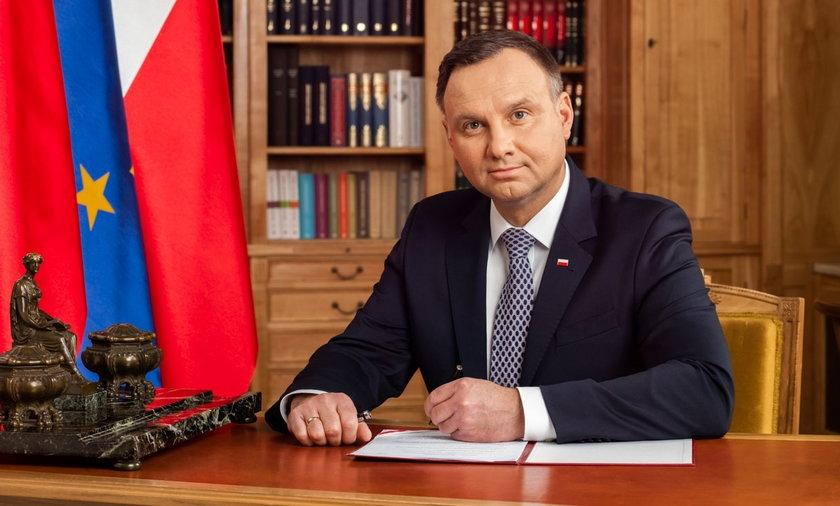 """Prezydent Andrzej Duda o szczepieniu. """"Kto się nie szczepi, świadomie decyduje się na testowanie""""."""