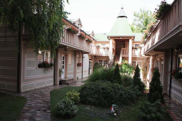 NAPUSTILA JE OVAJ LUKSUZ I POBEGLA IZ SRBIJE: Ovo je devojački dom jedne od najlepših Srpkinja!