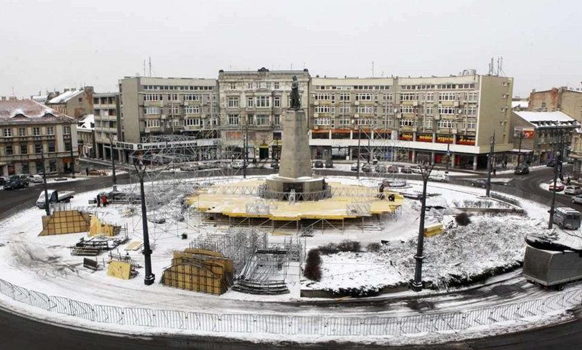 Scena na Placu Wolności
