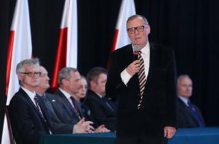 Odmienne ustalenia podkomisji Berczyńskiego i komisji Millera