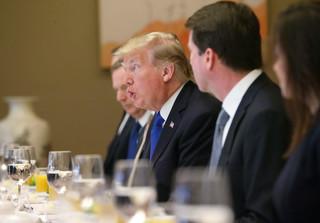 USA: Rekordowo niskie notowania Trumpa