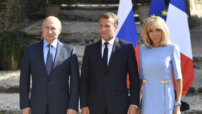 Prezydent Rosji i pierwsza para Francji spotkali się w tym tygodniu na krótkie rozmowy przed rozpoczęciem szczytu G7...
