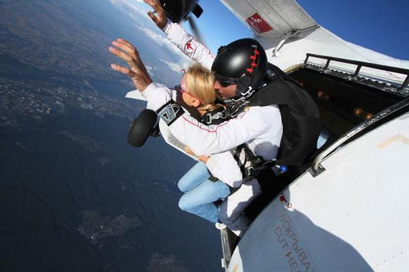 Anna Samusionek skok ze spadochronem