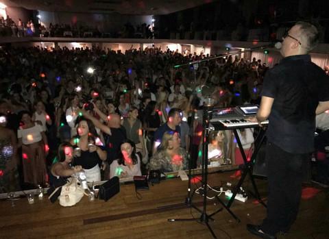 Spojio lepo i korisno: Saša Matić oduševio publiku u Australiji, a onda se desilo ovo!